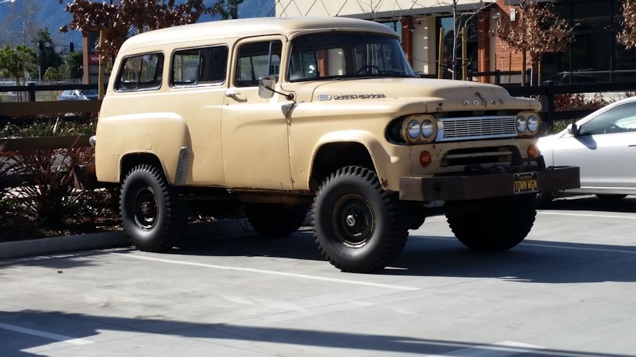 1965 Dodge Town Wagon Power Wagon02